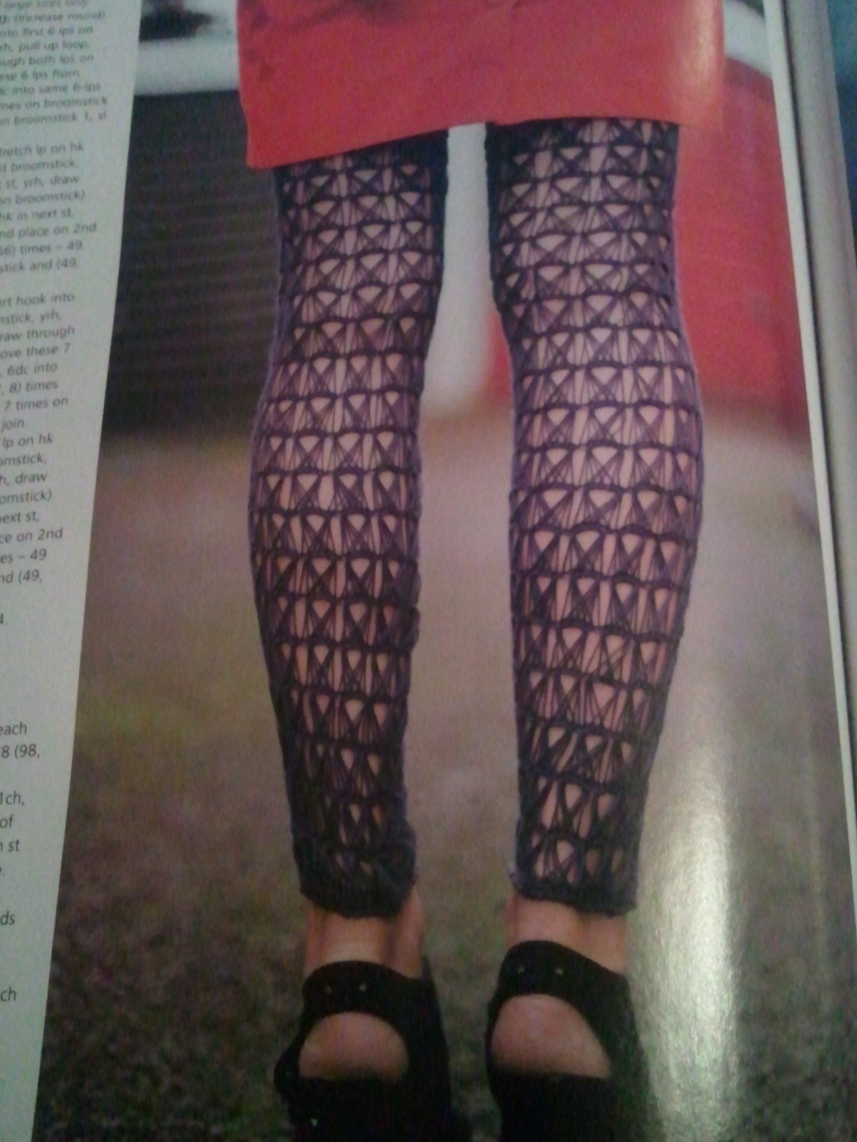 Inside crochet magazine handmade by hannah broomstick stitches so attempting it in the round is probably slightly out of my ability just yet but i really really want a pair of these leggings bankloansurffo Image collections